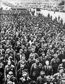 Движение колонн военнопленных